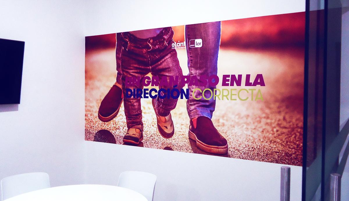 Grupo Lar Elant vinil impreso en alta resolucion brandeo de oficina caseta de ventas lima peru