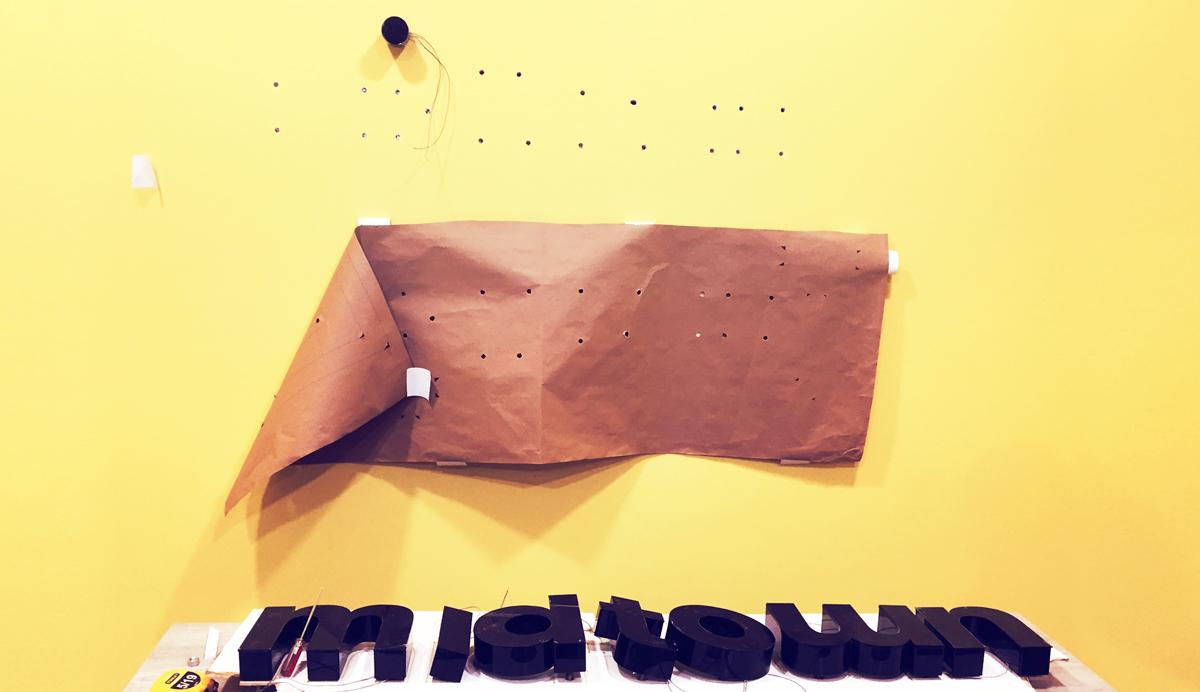 Grupo Lar Midtown Lima Historica Brandeo de oficina caseta de ventas logotipo retoiluminado letrero led lima peru
