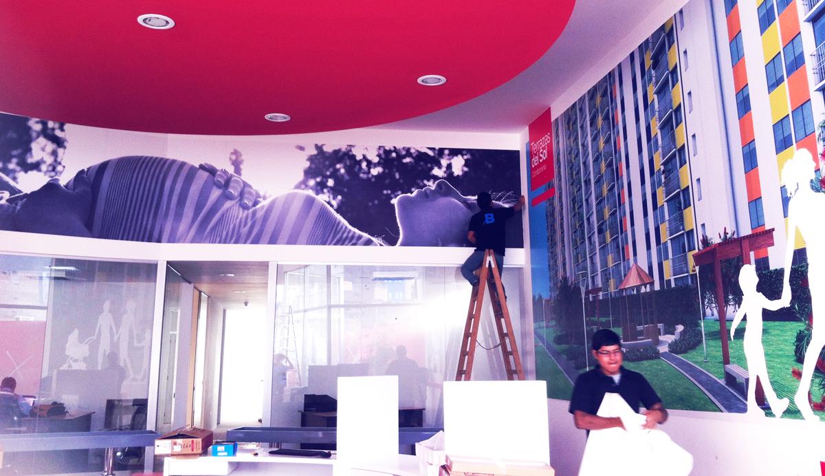 Terrazas del sol vinilo impreso publicidad interior Oficina brandeada lima peru