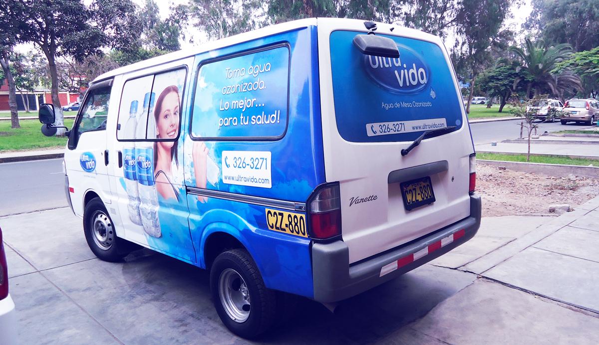 Ultra vida Revestimiento vehicular rotulación vehicular vinilo impreso alta resolucion Brandeo vehicular lima peru